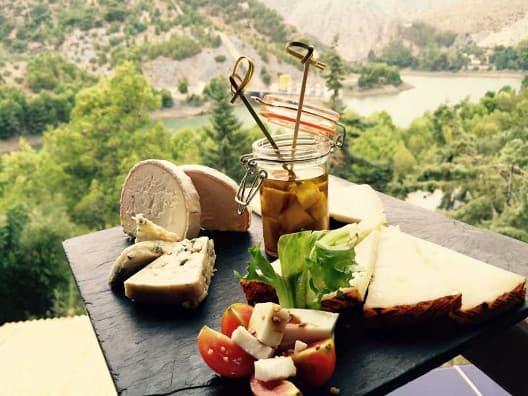 Tabla de Quesos de Málaga Restaurante Complejo Turístico La Garganta tu balcón al Caminito del Rey | @lagarganta.com