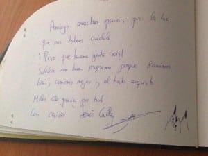 Firma-de-Jesús-Calleja-en-el-libro-de-visitas-de-La-Garganta-800x600