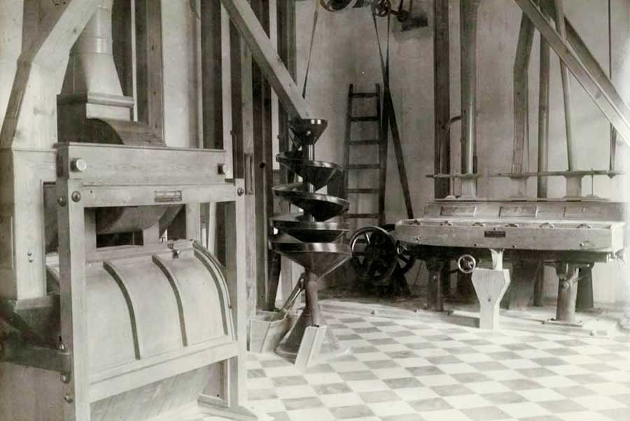Maquinaria interior de fábrica de harinas