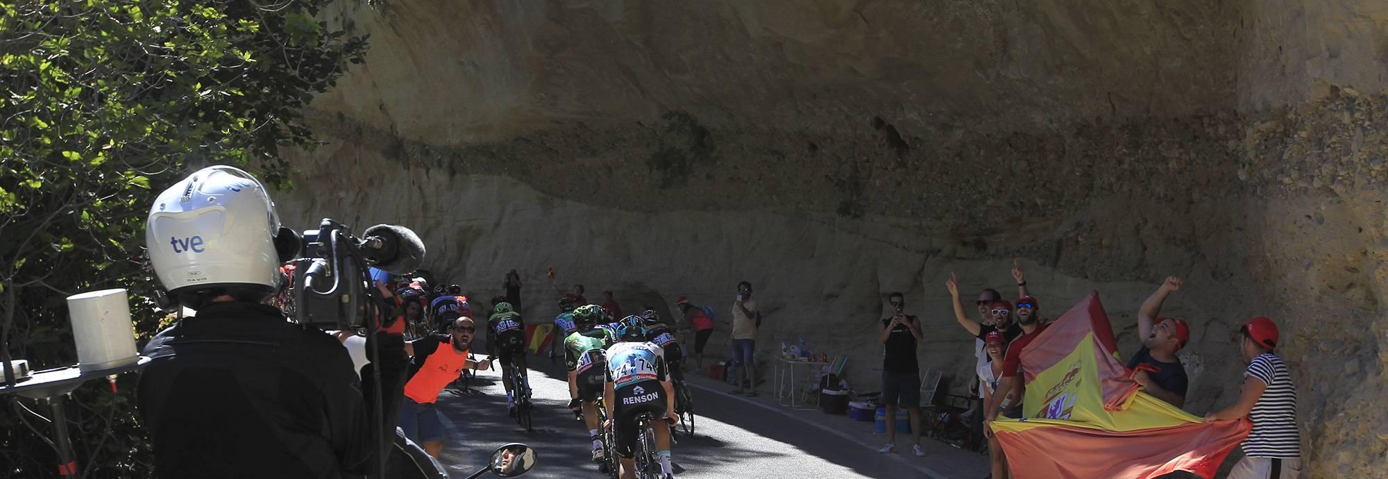 Vuelta ciclista a España por El Caminito del Rey
