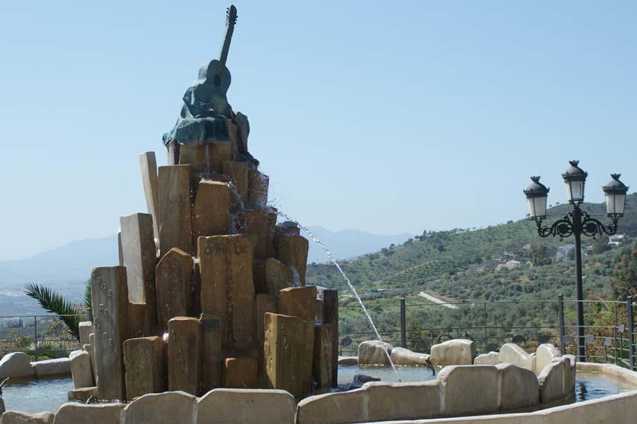 Monumento al cante por malagueña Álora